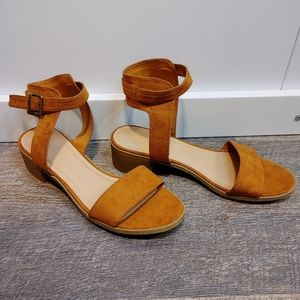 NWOT Wild Diva Faux Suede Sandals